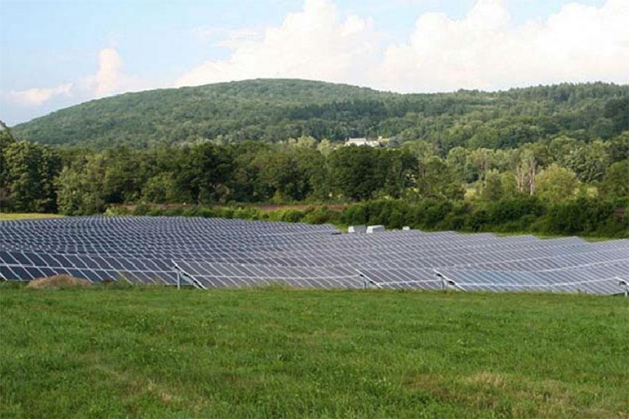 Bank Street Solar Farm: Hopkinton, Rhode Island